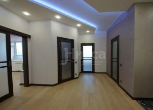 Ремонт коридора трехкомнатной квартиры. Российская 21, Академгородок