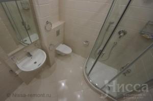 Отделка кафелем ванной комнаты. 3-х комнатная квартира на Вилюйской