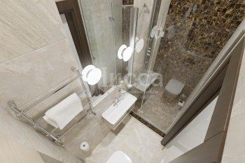 Дизайн интерьера трехкомнатной квартиры. Дизайн душевой.