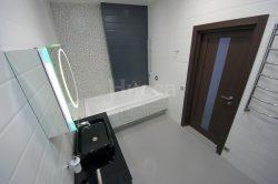Экран ванны отделанный мозаикой.