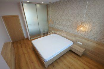 Встроенный шкафы-купе всегда к месту в спальне
